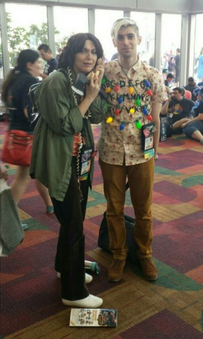 Stranger Things cosplay – These two rocked as Joyce and her living room